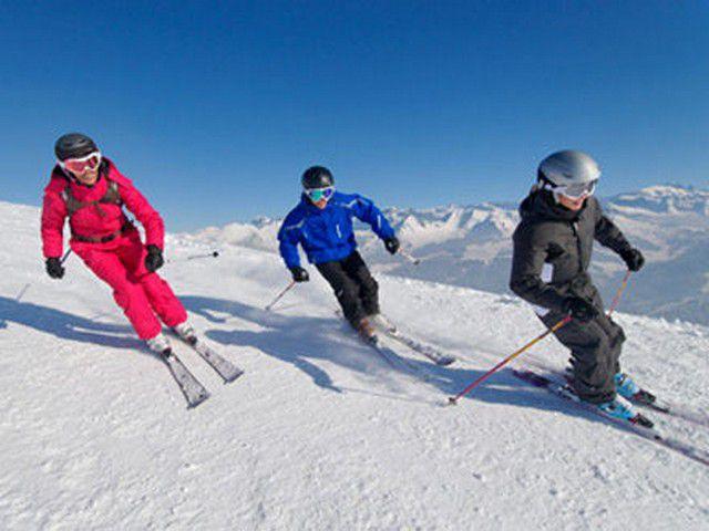 Décathlon Echirolles Espace Comboire, St-Égrève, La Tronche : magasin de sport à Échirolles, St-Égrève, La Tronche, rayon ski près de Grenoble