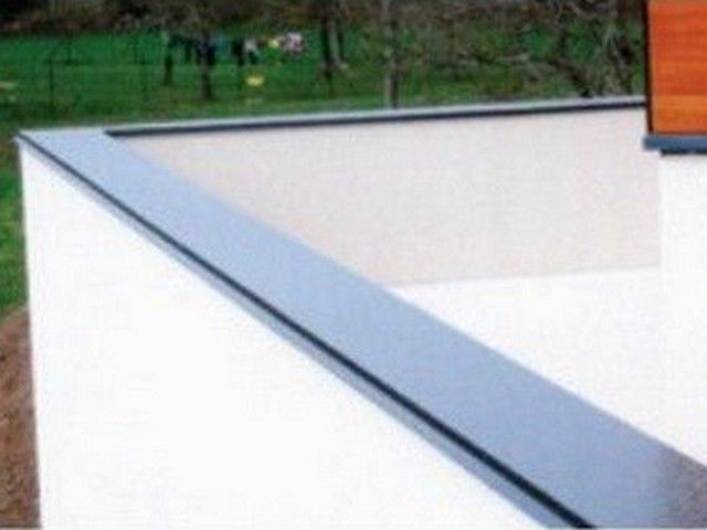 Dal'Alu, Thierry Dorly : passes de toit habillage bandeaux et sous face en aluminium laqué à Vinay