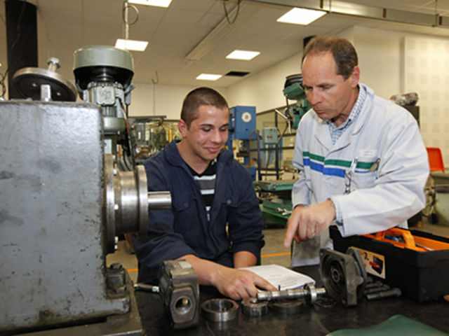 GRETA / GRENOBLE / FORMATIONS / BATIMENT / INDUSTRIE / SANTE-SOCIAL / INSERTION / BILAN DE COMPETENCES / MONTAGNE / HOTELLERIE / RESTAURATION