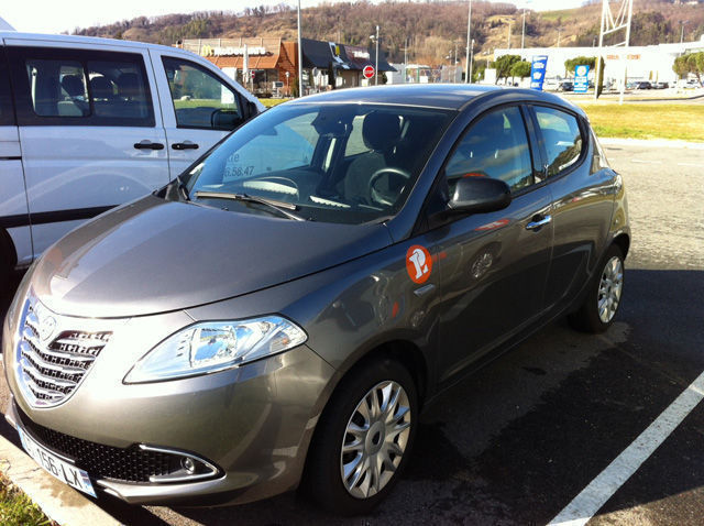 Location de voitures Romans-sur-Isère dans la Drôme : Fiat 500, Qashquai