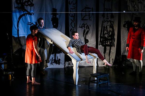 Nyons en Scène 2016/2017 - Alice sur le fil, danse contemporaine