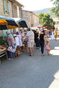 Marché estival de Saint-Remèze