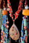 Création de bijoux en émaux sur cuivre avec Paola PITTAU