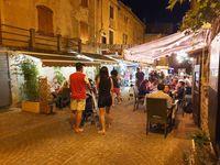 Marché nocturne de producteurs locaux et artisans d'art