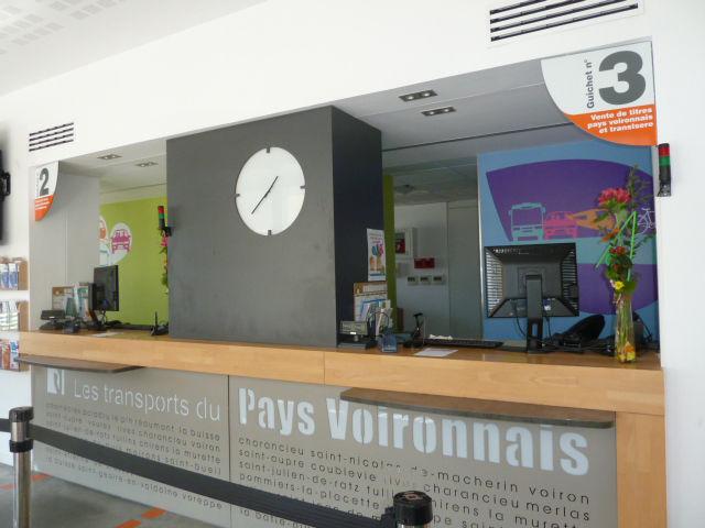Transport Pays Voironnais : se déplacer sur l'ensemble du territoire 13 lignes régulières, 28 lignes à vocation scolaire, 9 lignes de Transport à la Demande